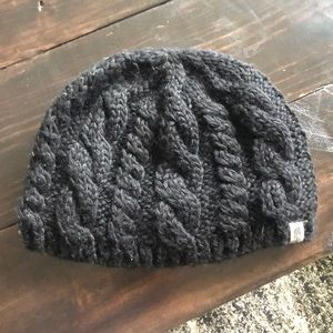 **NEVER WORN THE NORTH FACE REVERSIBLE BEANIE